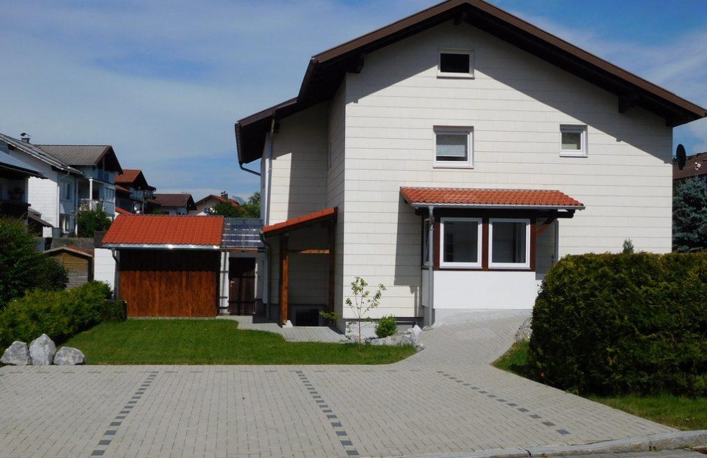 ferienwohnung-nesselwang-parkplatz-001