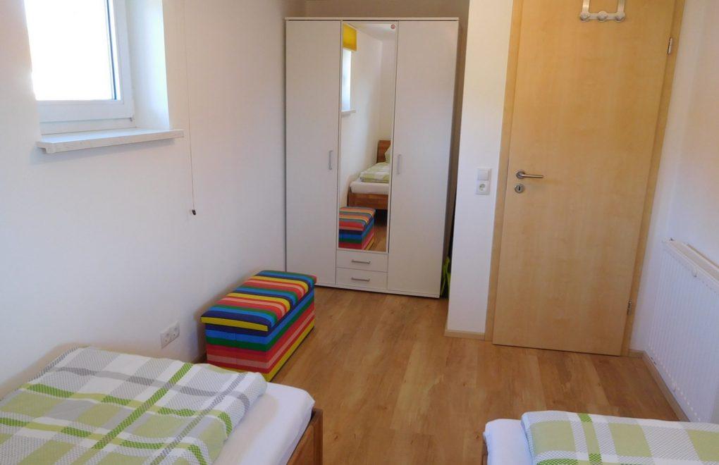 ferienwohnung-nesselwang-schlafzimmer-002